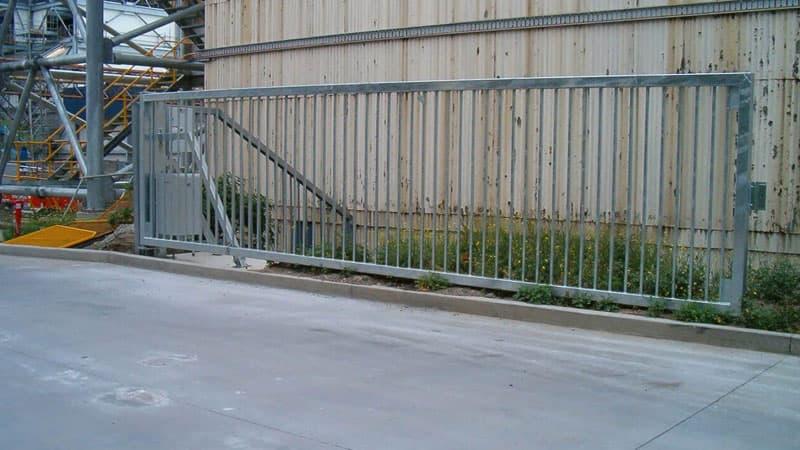 HVM swing gate